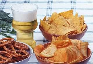 Что полезнее чипсы или сухарики